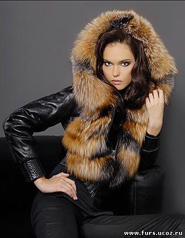 Модные куртки шапки на зиму