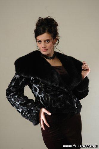 дорогая зимняя куртка: выкройка шапки берет из меха норки, сумка из меха...